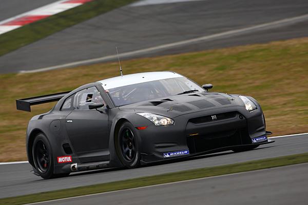 NISSAN GT-R FIA GT ①.jpg