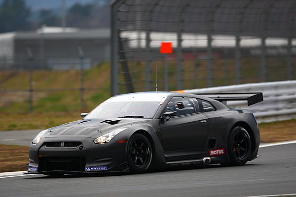 NISSAN GT-R FIA GT ②.jpg