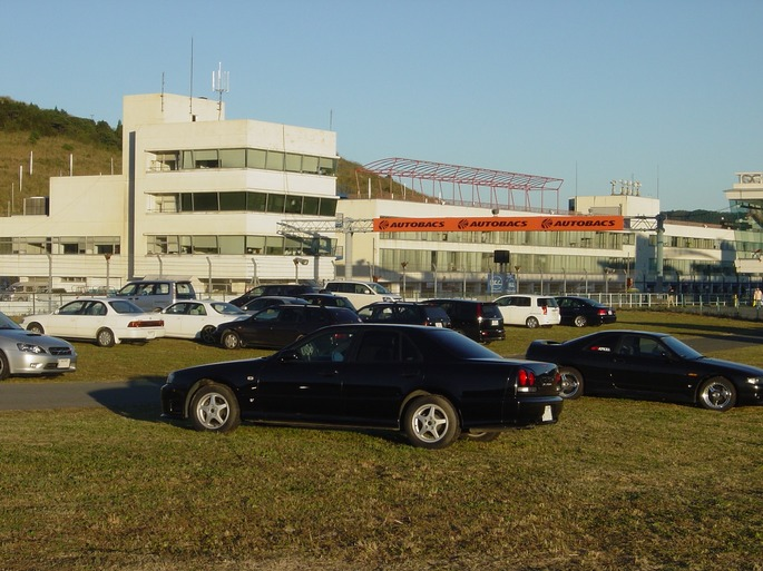 SKYLINE'05_autopols.jpg