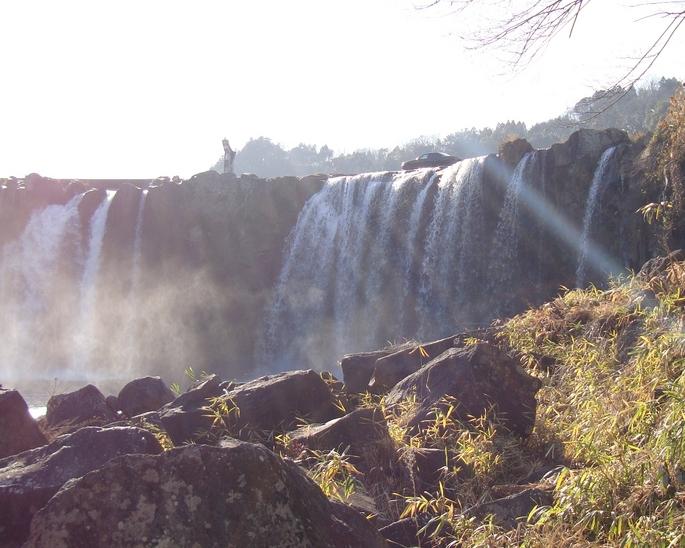 SKYLINE'08_nojiri-waterfall (2).jpg