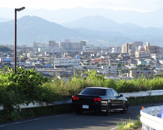 SKYLINE'12_morning hill.jpg