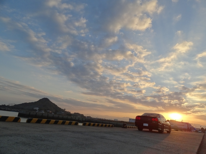 SKYLINE'12_mt. & port sun rise.jpg