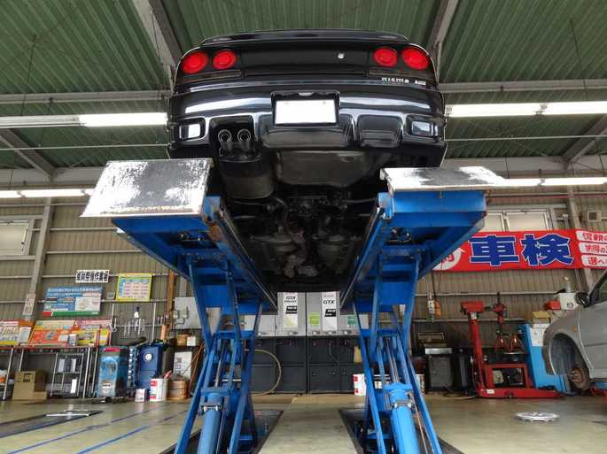 SKYLINE'13_car lift (1).jpg