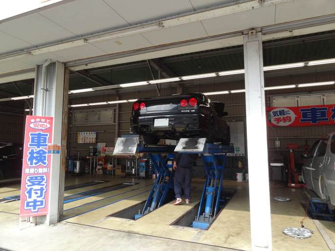 SKYLINE'13_car lift (2).jpg